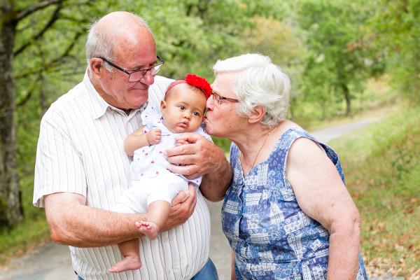bébé Leonilda séance photo avec famille